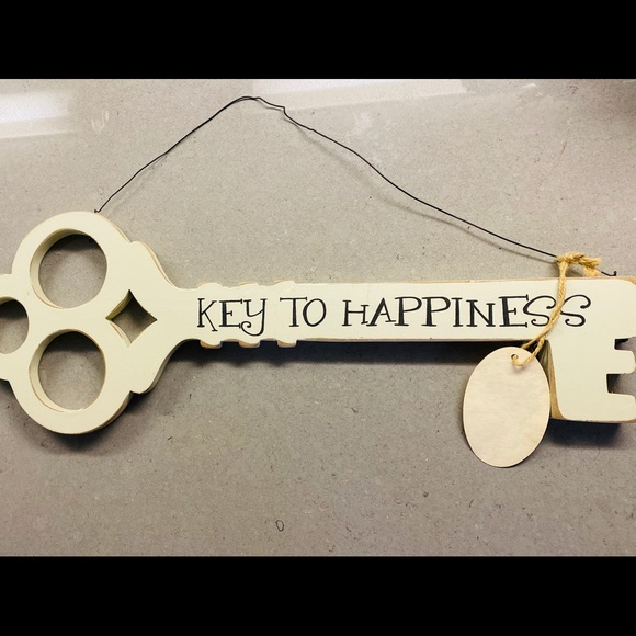 Other - Brand New Key to Happiness Decor